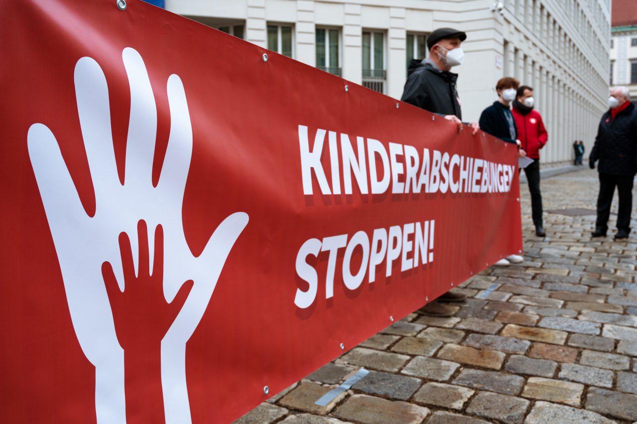 Kinderabschiebungen stoppen — Ein offener Brief